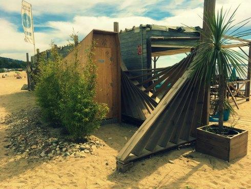 lovely-toilettes-restaurant-plage-demontable