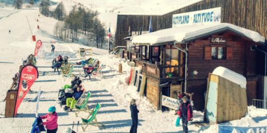 montagne toilettes seches dans une station de ski