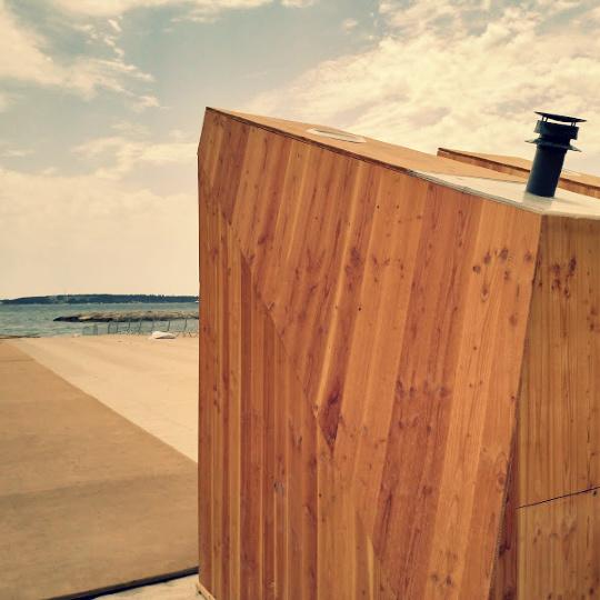 toilettes sèches sur la plage