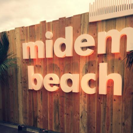 entrée de la plage du Midem
