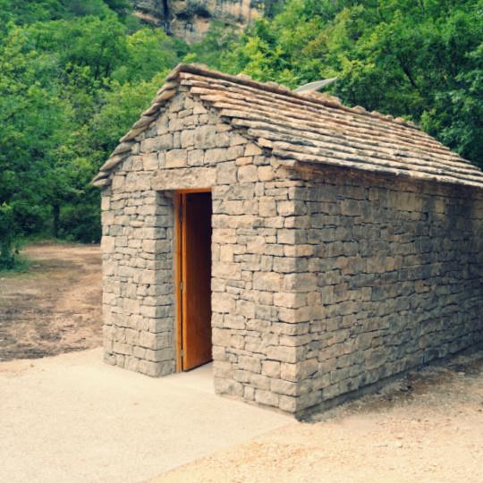 Toilettes sèches publiques dans les Gorges du Tarn